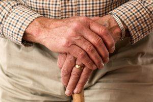 hands-981400_1920-300x200